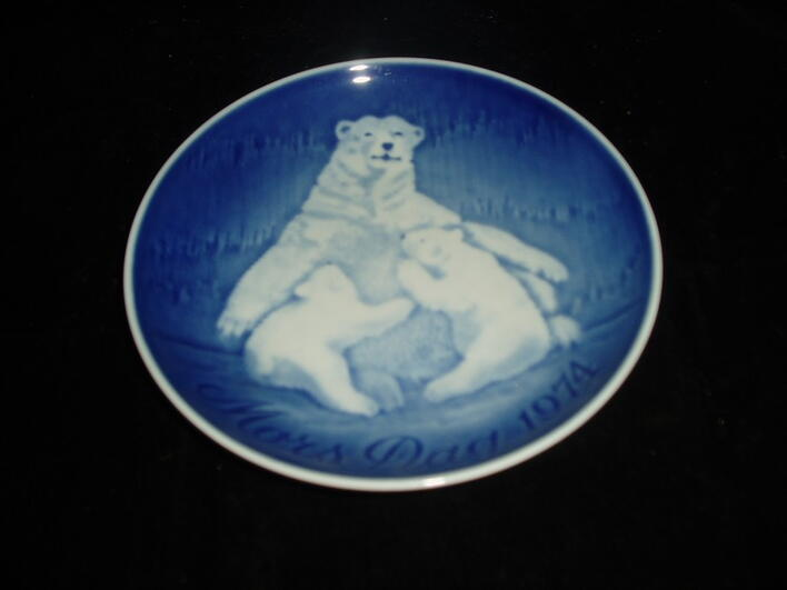 Mothers Day Plates from Bing & Grondahl
